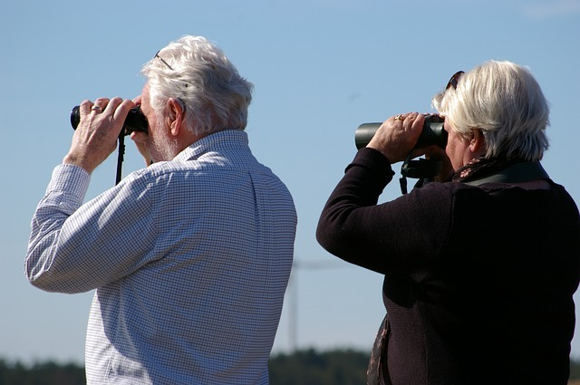 best binoculars for eyeglass wearers